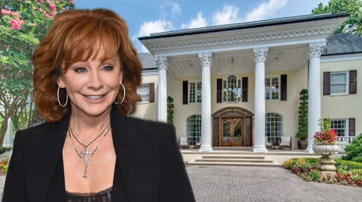 Reba McEntire's Massive Estate Finally Sells For Mind-Boggling Price | Country Music Nation
