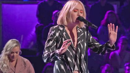 'Voice' Contestant Channels Stevie Nicks In Unearthly 'Landslide'
