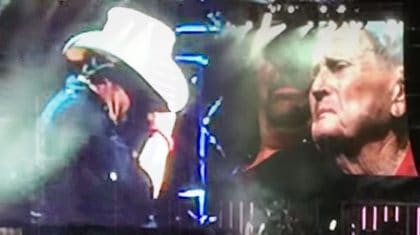 Toby Keith Is Overcome With Emotion After Bringing 93-Year-Old Veteran On Stage