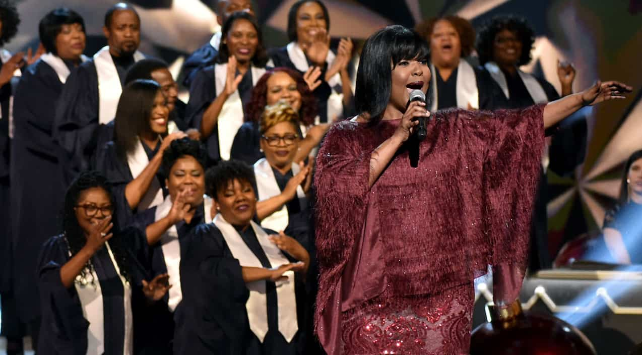 Grammy Award Winning Gospel Singer Takes CMA Country Christmas To