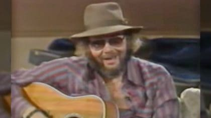 Hank Jr. Dedicates Intimate Performance Of 'All My Rowdy Friends' To Unsuspecting Guests