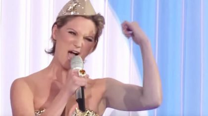Jennifer Nettles Sports Sexy Attire For Killer 'Boogie Woogie Bugle Boy'