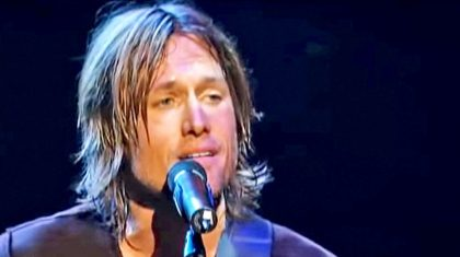 Keith Urban Touches Hearts With Tender Rendition Of 'But For The Grace Of God'