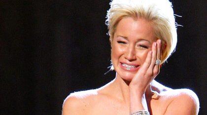 Kellie Pickler Gives Heartbreaking Performance Of 'I Wonder' At CMA Awards