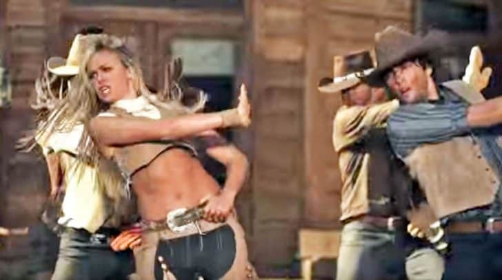 Laura Bell Bundy Gets Revenge On Cheating Ex In Hot 'Giddy On Up' Line Dance | Country Music Nation