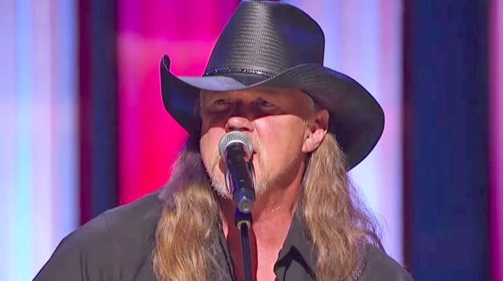 Trace Adkins Showered With Cheers During Impactful Opry Performance Of 'Still A Soldier' | Country Music Nation