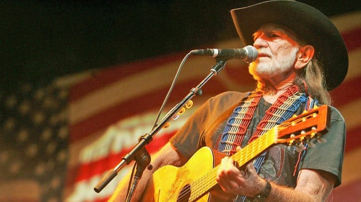 Willie Nelson Performs Meaningful Patriotic Hit 'Living In The Promiseland' | Country Music Nation
