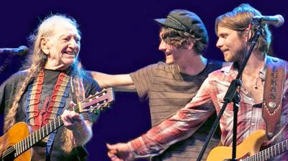 Willie Nelson And His Two Sons Perform Impromptu 'Blue Eyes Crying In The Rain'
