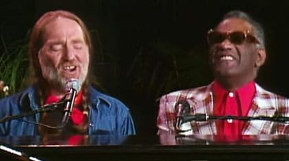 "Willie Nelson & Ray Charles Mystify Crowd With Beautiful ""Seven Spanish Angels"" Duet"
