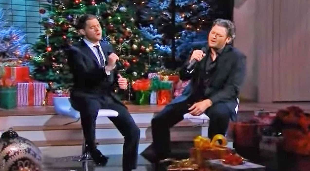 Blake Shelton Joins Michael Bublé For Moving Christmas Duet In ...