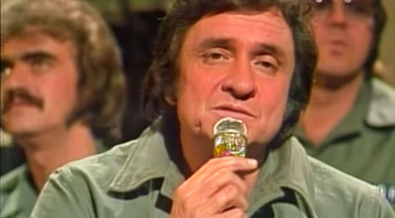 Johnny Cash & Statler Brothers Give Haunting Performance Of Blue ...