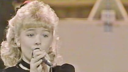 8-Year-Old LeAnn Rimes Sings Marty Robbins Classic On Star Search