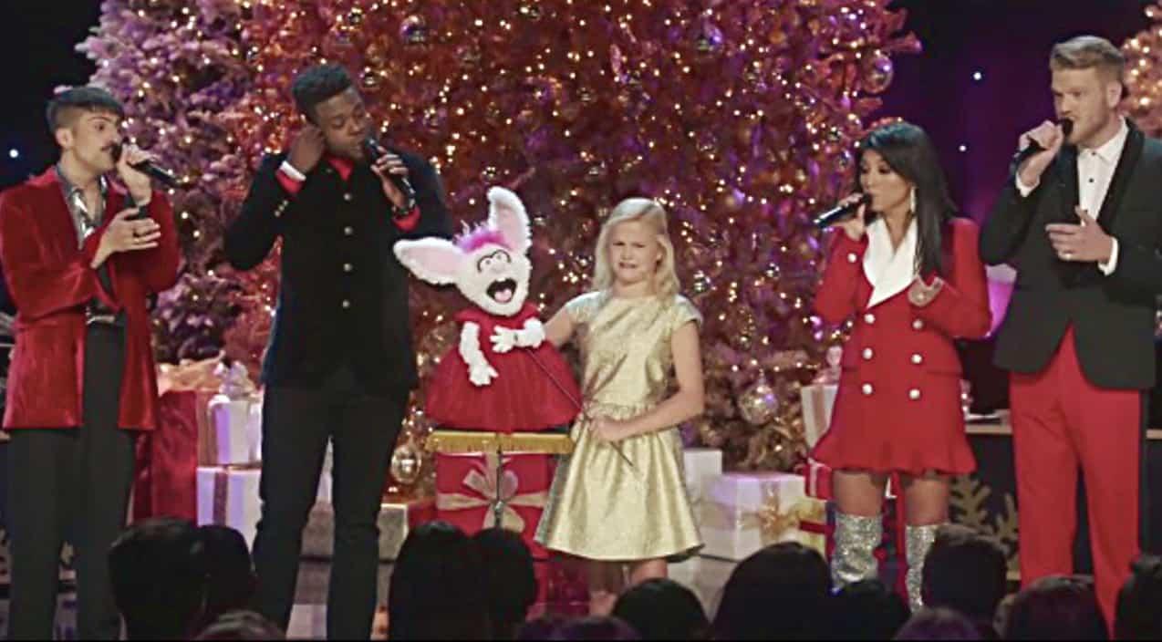 Pentatonix Christmas Youtube.Darci Lynne S Puppet Sings O Easter Egg During Pentatonix