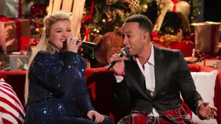 """""""Voice"""" Coaches Kelly & John Sing New Version Of Christmas Song """"Baby, It's Cold Outside ..."""
